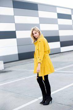 Mehr? http://kiamisu.de - Gelber Mantel von Tom Tailor - Fashionblogger - Outfitinspiration - Gelber Mantel Outfit - Schwarze High Heels - Kiamisu - Kassel