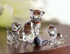 Swarovski Figurine CAT MOTHER Red Collar #1193526 – Zhannel