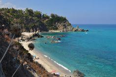 Zambrone – La Spiaggia di Marinella http://www.imperatoreblog.it/2013/07/23/le-spiagge-piu-belle-della-calabria-2/  #zambrone #marinella #calabria #spiagge