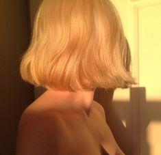 in 2019 hair, aesthetic hair, dream hair. Short Blonde, Blonde Hair, Pale Blonde, Pelo Multicolor, Aesthetic Hair, Blonde Aesthetic, Dream Hair, Pretty Hairstyles, Hair Goals