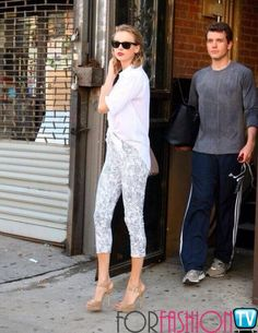 #TaylorSwift Or Should We Say Taylor Slick Cause She Totally Rocks This New Hairstyle *awwe*
