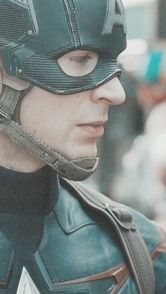 Chris Evans | Captain Adorable <3<3<3 -B.R. Mmm look at those eyelashes