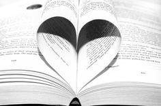 la lectura es algo apasionante, puedes sumergirte en mundos nuevos sin moverte de donde te encuentras