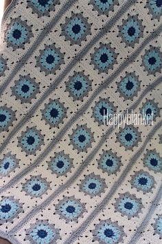 Blue handmade baby blanket ( mavi el yapimi bebek battaniyesi )