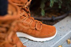 NIKE WMNS ROSHE ONE HI SUEDE TAWNY/LOTUS-SAIL available at www.tint-footwear.com/nike-wmns-roshe-one-hi-suede-200 nike womens roshe one rosherun roshes hi high top boot sneakerboot winter winterized sneaker tint footwear studio munich