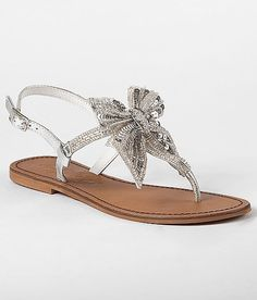 cdabe07e7673d9 Sparkly sandals with a bow - enough bling for the beach! Bow Sandals