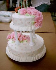 Resultado de imagen para pasteles  de rosas para bautizo