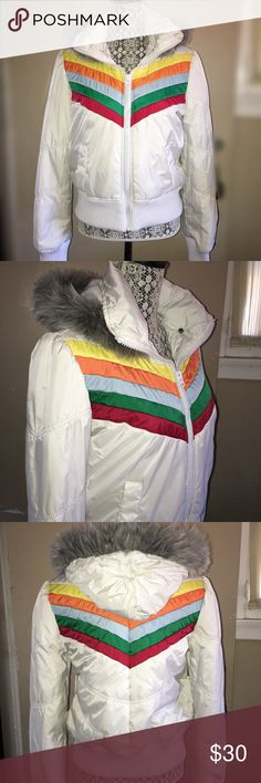 Jack BB Dakota Puffer Jacket Excellent Condition. It has that 90's look going on. I'm a Large and this jacket fits perfect. Jack by BB Dakota Jackets & Coats Puffers