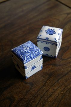 little delft blue boxes