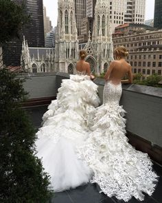"3,046 Likes, 18 Comments - Wedding Dresses Gallery (@wedding.dress.love) on Instagram: ""This piece definitely displays a glamorous and lavish mood. Who agrees? Double tap and leave a…"""