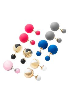 Nobody does it like Dior! Wear these double-sided earrings with the small bead in the front and the large one peeking out from behind your earlobe for a look that's edgy and ladylike at the same time.