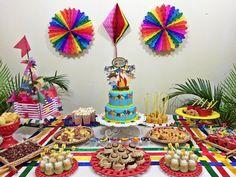 "Vamos Celebrar! Por Paty Souto no Instagram: ""Gui fez 5!! ❤️ #guifaz5meses #mensariodoguisvt #guilhermesvt #babyvamoscelebrar"" Mexican Birthday Parties, Ideas Para Fiestas, Decoration, Diy And Crafts, Alice, Birthday Cake, Pastel, Salvador Ba, Instagram"