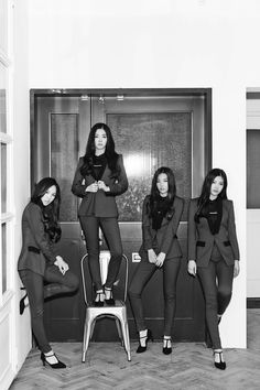 """Red Velvet Release More Teaser Photos and Will Perform Comeback Stages for """"Be Natural"""" 