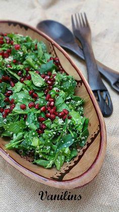 Ispanak Salatası  Narlı Ispanak Salatası  Ispanak Salatası Tarifi   Bayramdan önce telefonumun bozulmasıyla biraz canım sıkılmıştı.  Öz...