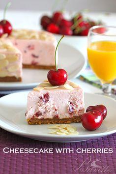 Cheesecake de cerezas | Bavette, cerezas en almíbar, gelatina, mascarpone y crema.de base Spéculoos(galletitas) y Mantequilla