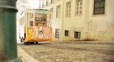 A short movie about a week end spent in Lisboa in April 2013.