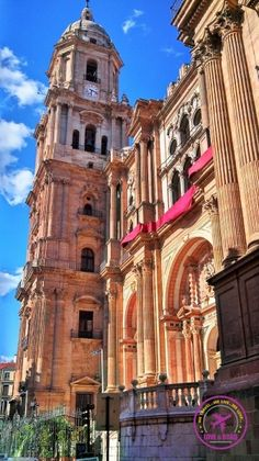 Top [and Free] Things to do in Málaga! Beaches, delicious food and free attractions! Málaga is the perfect summer destination… Follow our travel tips to enjoy the city, book the best hotel and save money!