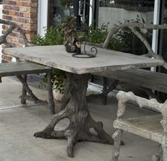 Rectangular top faux bois table a technique often used in France since the late century Concrete Sculpture, Concrete Art, Concrete Garden, Concrete Design, Polished Concrete, Concrete Outdoor Furniture, Rustic Furniture, Diy Dining Table, Outdoor Tables