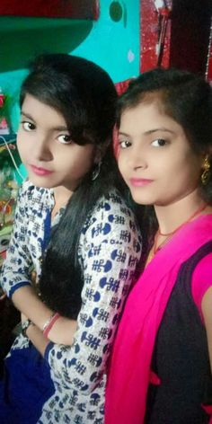 Desi Beautiful Girl In India, Beautiful Blonde Girl, Beautiful Girl Photo, Indian Girl Bikini, Indian Girls, Girl Number For Friendship, Girl Friendship, Desi Girl Selfie, Desi Girl Image