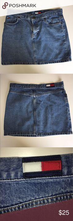 VTG Tommy Hilfiger Skirt size 7 VTG Tommy Hilfiger Skirt size 7 in really good condition no stains Tommy Hilfiger Skirts