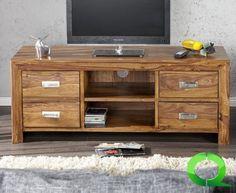 Massives TV-Board BALI Sheesham 135m Schubladen Tisch.Sie werden glücklich sein und lachen, wenn Sie nach einem stressigen Arbeitstag nach Hause kommen und sich gemütlich auf das Loungesofa mit dem Tv Lowboard BAli davor setzen. Denn, das exklusive TV-Board BALI ist Ihr ganz persönlicher Beitrag zu einer besseren Welt und einem verbessertem Klima. Durch die Verwendung von recyceltem Massivholz  alter Fischerboote oder Wohnhütten, unterstützen Sie die Erhaltung der Regenwälder.Bei Qubo Design