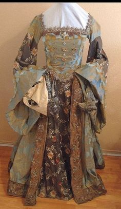 Custome Renaissance Gown by customecostumer on Etsy