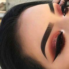 Eye Makeup Tips – How To Apply Eyeliner – Makeup Design Ideas Eye Makeup Glitter, Kiss Makeup, Glam Makeup, Makeup Eyeshadow, Hair Makeup, Eyeshadows, Drugstore Makeup, Makeup Geek, Bridal Makeup