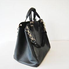 Bucket Bag, Bags, Fashion, Handbags, Moda, Fashion Styles, Fashion Illustrations, Bag, Totes