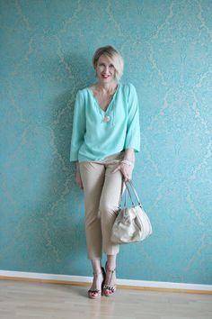 A fashion blog for women over 40 and mature women http://glamupyourlifestyle.blogspot.de/  Blouse: Zara Pants + Shoes: Dorothee Schumacher Bag: Bimba Y Lola