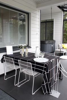 Outdoor Living Patios, Outdoor Spaces, Outdoor Seating, Scandinavian Style Home, Living Place, Minimalist Interior, White Decor, Little Houses, Sweet Home