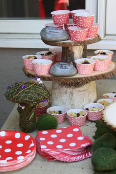 Rustic tree slice cake stand - i'd want two separate stands though, so I could use one or the other individually or both together like this :-)