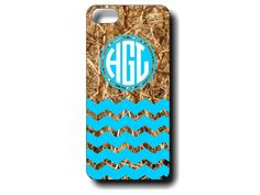 Our Chevron Camo Monogrammed iphone4 and iphone5 case that you can customize with your favorite color! #chevroncamo #camo #country #realcamo #etsy #phonecase
