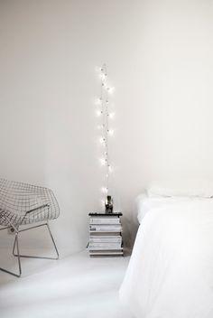 O cuelga un cable por sí mismo para un ~artístico~ ambiente minimalista.