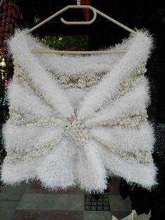 Gelin sali Crochet Wedding Dress Pattern, Crochet Wedding Dresses, Wedding Dress Patterns, Ewok, Knit Or Crochet, Crochet Clothes, Crochet Projects, Lace Dress, Knitting