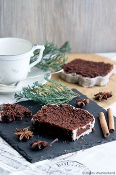 Christmas and juicy: spice cake, Delicious Cake Recipes, Yummy Cakes, Sweet Recipes, Dessert Recipes, Yummy Food, Vegan Christmas, Christmas Baking, Christmas Recipes, Vegan Cake