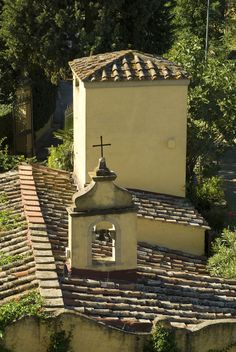Villa La Massa: Blick auf Dach der hoteleigenen Kapelle