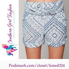 """FREE PEOPLE Shorts High Rise Printed Bohemian Pant Size Large. New with tags.  $68.00  Printed high rise shorts with four pocket design.  Elastic waistband features fabric belt.  100% Rayon Measurements for Size Large: Waist (elastic): 31.5""""  Hip: 41.5""""  Rise: 12.25""""  Inseam: 3.75""""   Availability:  Sizes XS, S, M and L.   ❗️ Please - no trades, PP, holds, or Modeling.   ✔️ Reasonable offers considered when submitted using the blue """"offer"""" button.    Bundle 2+ items for a 20% discount…"""