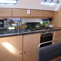The Boat Galley explores the liveaboard & cruising lifestyle. Decide if living on a boat is for you. Find detailed how-to's for your sailboat adventures. Sailboat Living, Living On A Boat, Best Boats, Cool Boats, Boating License, Boating Tips, Sailboat Interior, Yacht Week, Yacht Builders