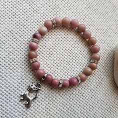 Náramek rodonitový s kočičkou Beaded Bracelets, Jewelry, Fashion, Moda, Jewlery, Jewerly, Fashion Styles, Pearl Bracelets, Schmuck