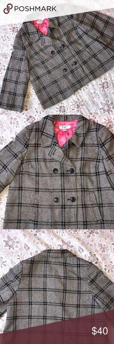 Isaac Mizrahi swing plaid jacket Isaac Mizrahi swing plaid jacket Gray and black swing jacket SIZE L GREAT condition Isaac Mizrahi Jackets & Coats