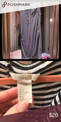 H&M mama maternity dress💋 Made from elastin super cute.. roughing and stretchy.. a little wear but otherwise great condition ❤️ H&M Dresses Midi