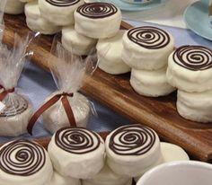 Alfajores con cobertura de chocolate blanco :)