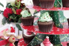 Christmas Chocolate Cupcakes with Vanilla Buttercream Icing