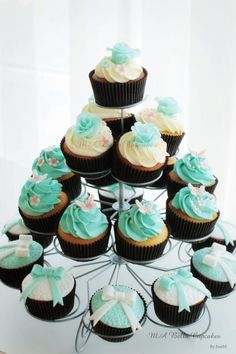 Beautifull cupckes with tiffany color