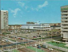 """Winkelcentrum """"In de Bogaard"""" in Rijswijk. Nou, dit is al heel wat jaartjes geleden...."""