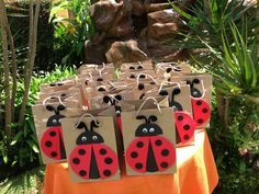 Ladybug party theme by Susana Baby Girl Birthday, First Birthday Parties, Birthday Party Decorations, Party Themes, Baby Ladybug, Ladybug Party, Ladybug 1st Birthdays, First Birthdays, Ladybug Crafts