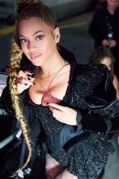 A trança rapunzel da Beyoncé levou só 5 minutos para ficar pronta
