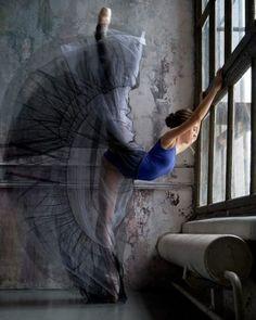 Caregiver and Dancer. Art Ballet, Ballet Dancers, Ballerinas, Ballet Pictures, Dance Pictures, Ballet Dance Photography, Art Photography, Dance Training, Ballerina Dancing