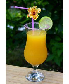 Après le mojito, voici une nouvelle recette de cocktail, toujours à base de rhum mais très différente, le punch planteur ! Un bon cocktail plein de fruits, j'adore ça :-) Cette recette est pour un gros saladier de punch, vous pourrez réaliser plus ou...