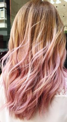 For a few seasons we love the soft coloring technique Balayage Now she is getting serious competition: pastel pink pastel strands - Ombre Hair Blonde Hair With Pink Tips, Blonde To Pink Ombre, Pink Hair Streaks, Gold Blonde Hair, Blonde Tips, Pink Hair Dye, Dip Dye Hair, Brown Ombre Hair, Blonde Hair With Highlights